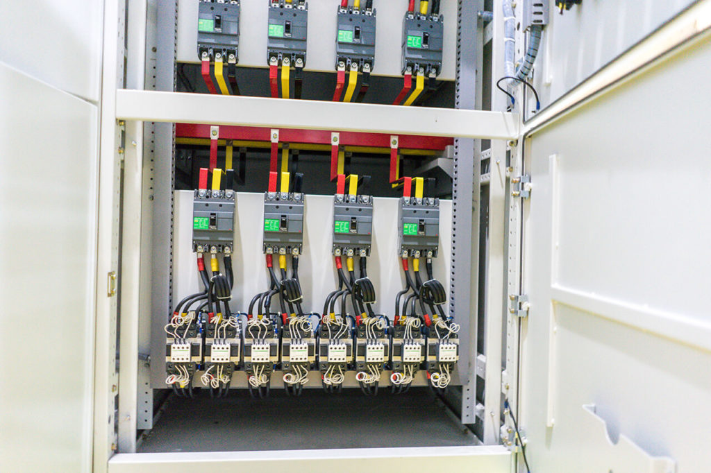 bank-capacitor-panel-3