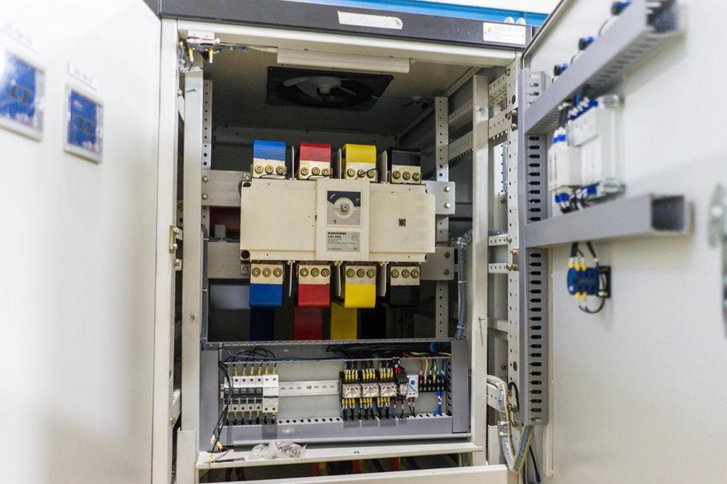 bank-capacitor-panel-5