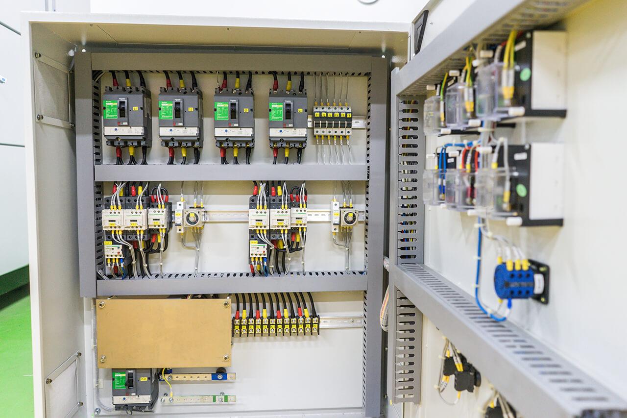 motor-control-panel-2